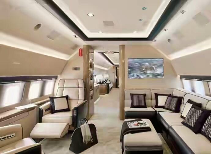 Boeing 737 stunning interior